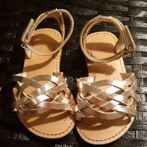 Toddler girls gold sandals. Sz 5. Crazy8